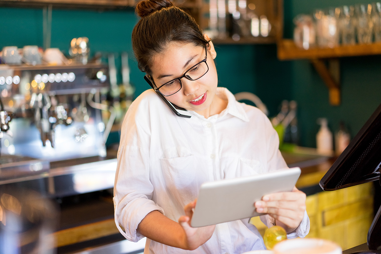 Using Technology in Restaurant Operations to Improve Your Business